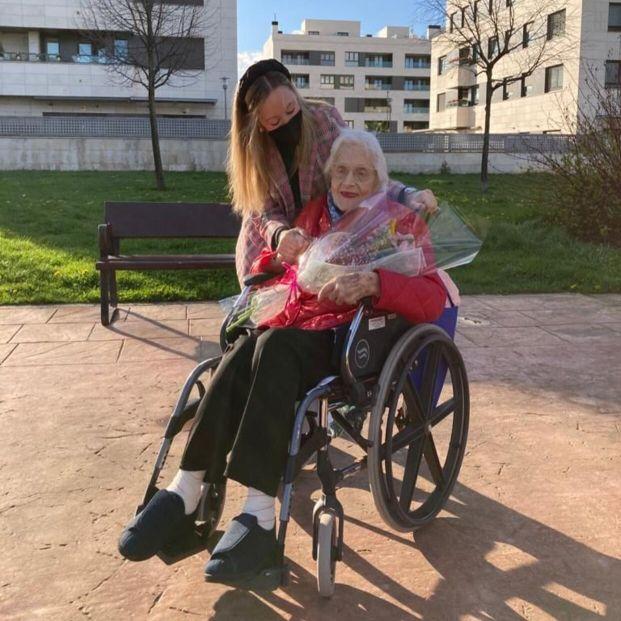 'Adopta Un Abuelo' supera las 40.000 horas de compañía a personas mayores