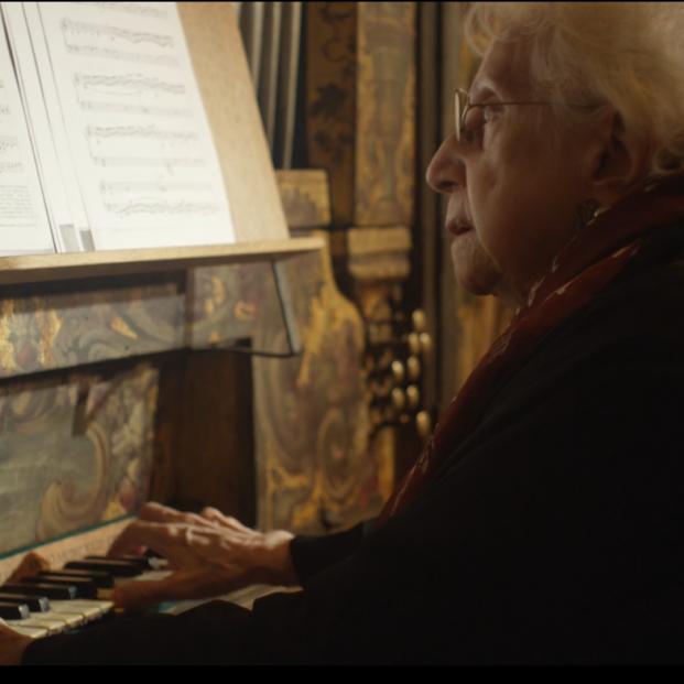 Montserrat Torrent, 95 años sin dejar de tocar el órgano
