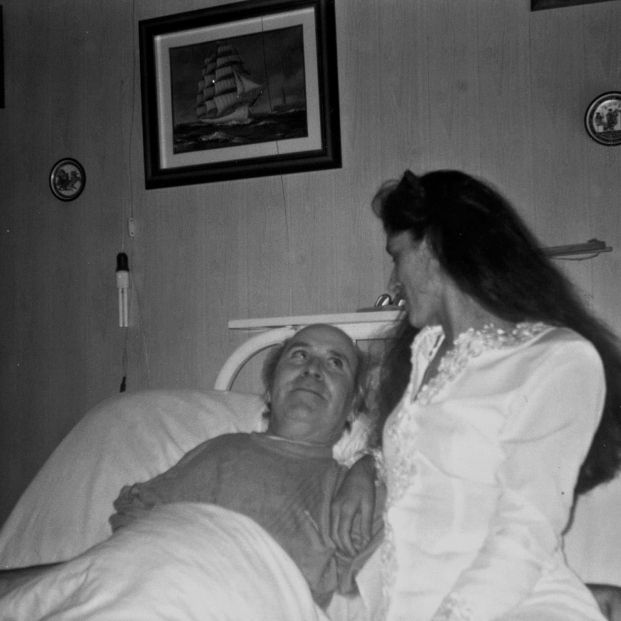Ramón Sampedro y Ramona Maneiro. El escritor fue de los primeros en abrir el debate sobre la despenalización de la eutanasia en nuestro país (Europa Press)