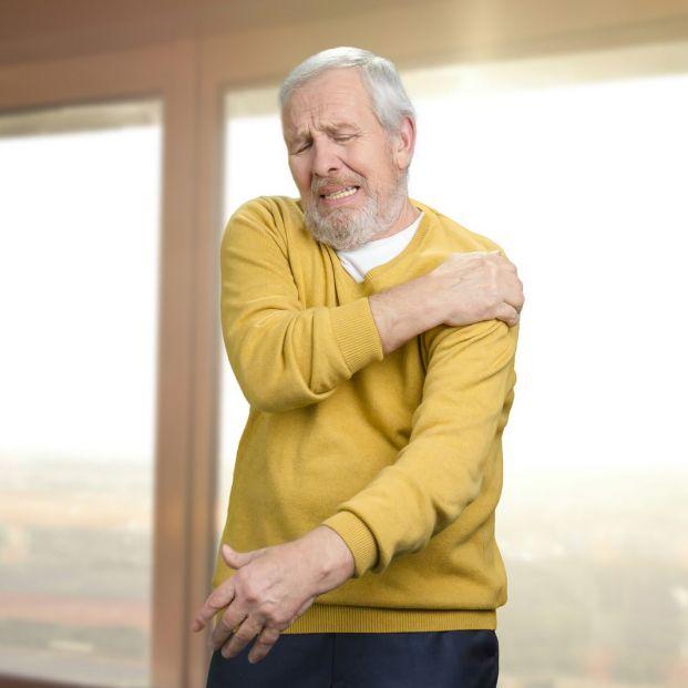 ¿Te duelen los hombros? (bigstock)