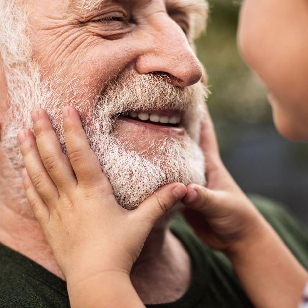 Prestaciones familiares a las que sigues teniendo derecho mientras cobras la pensión de jubilación (Foto Bigstock)