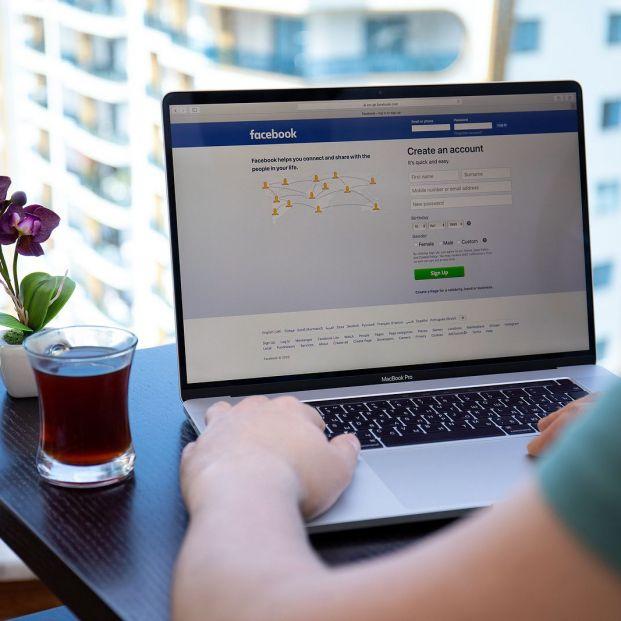 Descubre quién visita tu perfil de Facebook Foto: bigstock