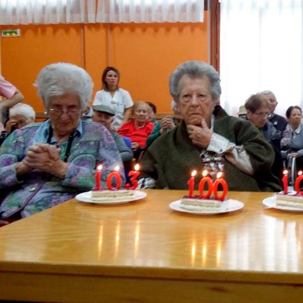 Felisa, María Pilar y Sabina, 305 años de experiencia y vida