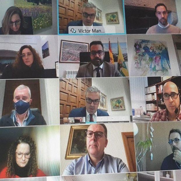 Las comunidades de propietarios ya pueden celebrar juntas telemáticas. Foto: Europa Press