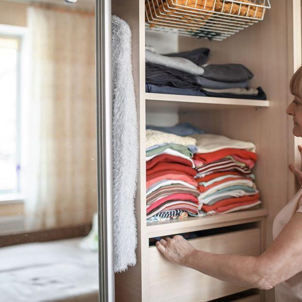 Trucos para hacer el cambio de armario de forma eficiente y rápida