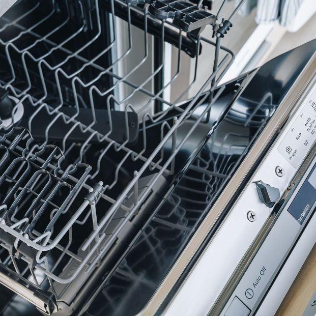 Cosas que puedes meter en el lavavajillas para facilitarte la limpieza del hogar
