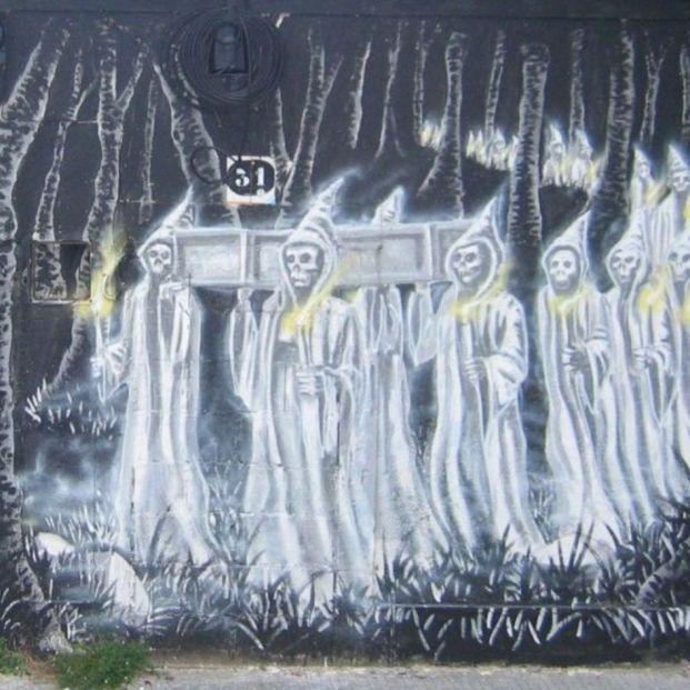 Grafiti de la Santa Compaña en Pontevedra