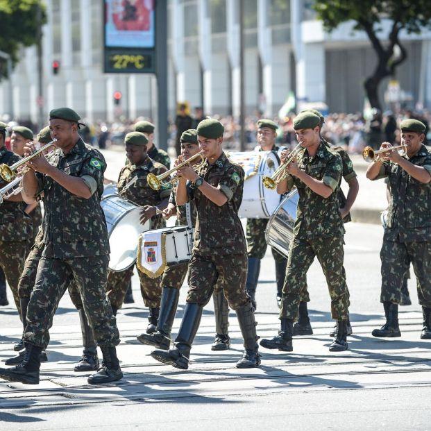 Soldados brasileños en Río de Janeiro, uno de los paíes con servicio militar obligatorio