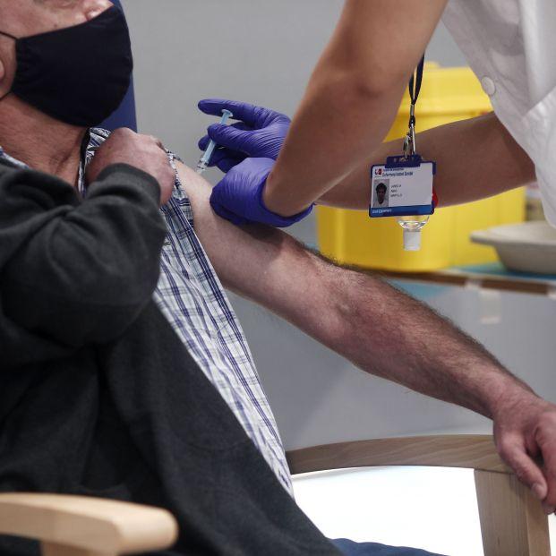 """Un millón de mayores de 60 años sin vacuna, mientras los expertos alertan de una """"quinta ola"""""""