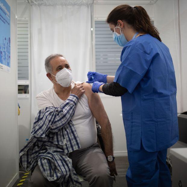 ¿Cómo funciona el sistema de autocita para vacunarse contra el coronavirus en Madrid?