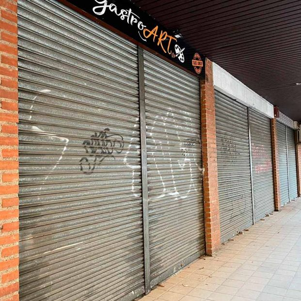 Las tiendas de barrio piden auxilio para sobrevivir