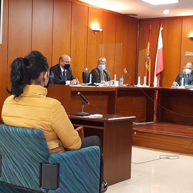 Seis años de cárcel a una mujer que estafó 922.000 euros a un hombre