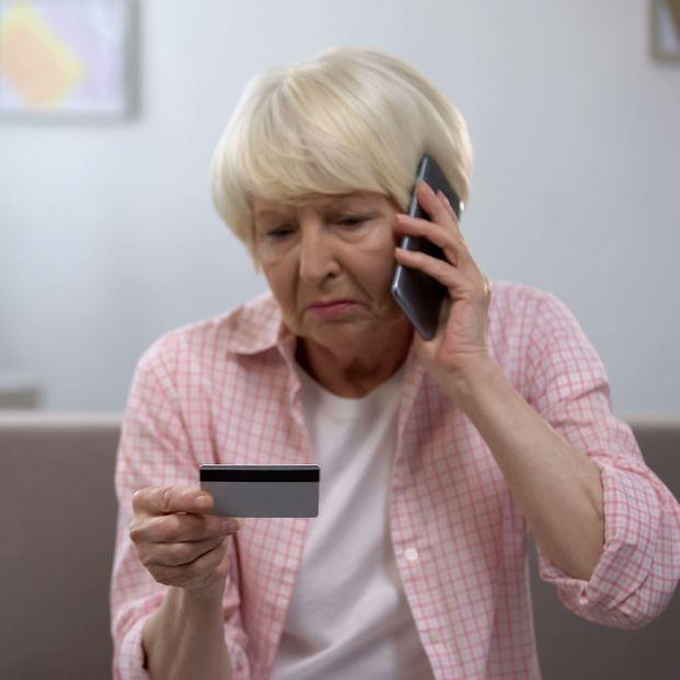 La dificultad para contactar con un empleado, el problema más habitual de los usuarios de la banca