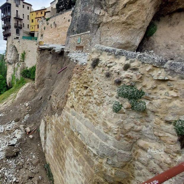 Cuenca, consternada: Se derrumba el principal acceso peatonal a las Casas Colgadas. Foto: Europa Press