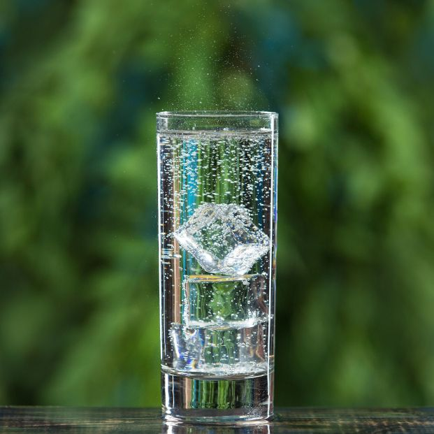 ¿Es bueno beber agua con gas todos los días?