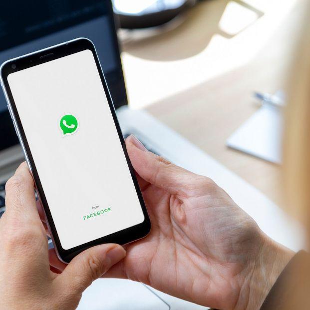 ¿Puedo enviar dinero por WhatsApp? Foto: bigstock