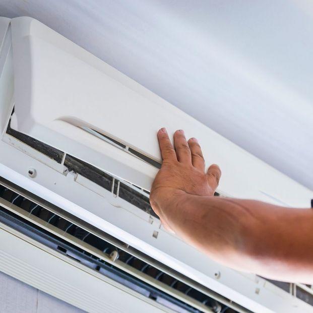 Paso a paso: cómo limpiar y poner a punto el aire acondicionado. Foto: bigstock