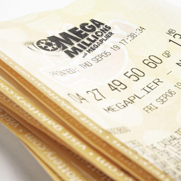 Una mujer pierde 26 millones de dólares al lavar el boleto ganador