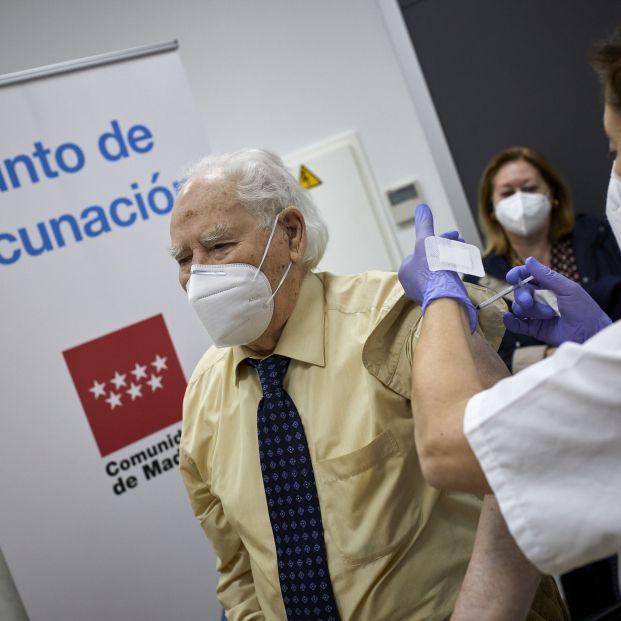 No hay que bajar la guardia: Simón avisa que a 700.000 personas no les ha hecho efecto la vacuna
