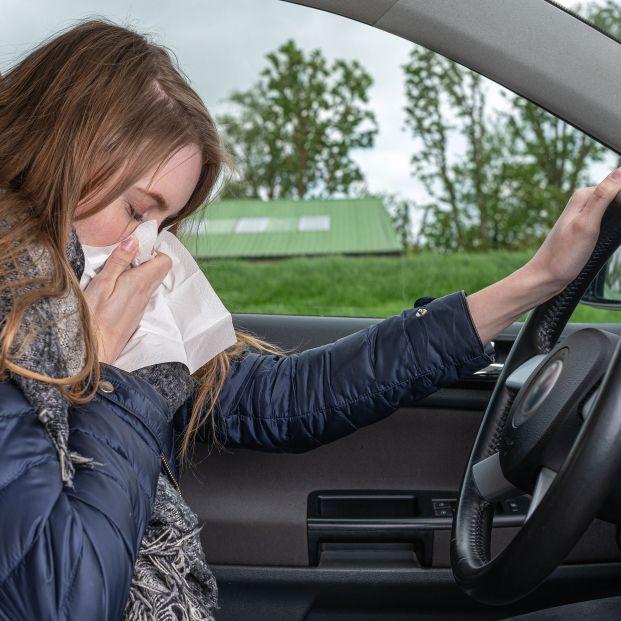 La Guardia Civil avisa sobre el peligro de conducir si tienes alergia