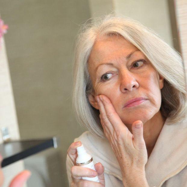 Los cosméticos anti polución equilibran la piel frente a las agresiones externas (Bigstock)