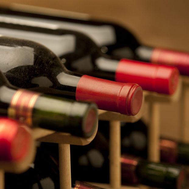 ¿Cómo puedo conservar una botella de vino para conservar todas sus propiedades? (big stock)