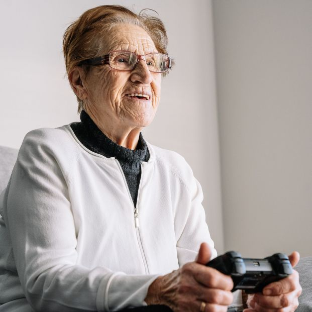 Un estudio demuestra que los videojuegos ayudan a prevenir caídas en personas mayores