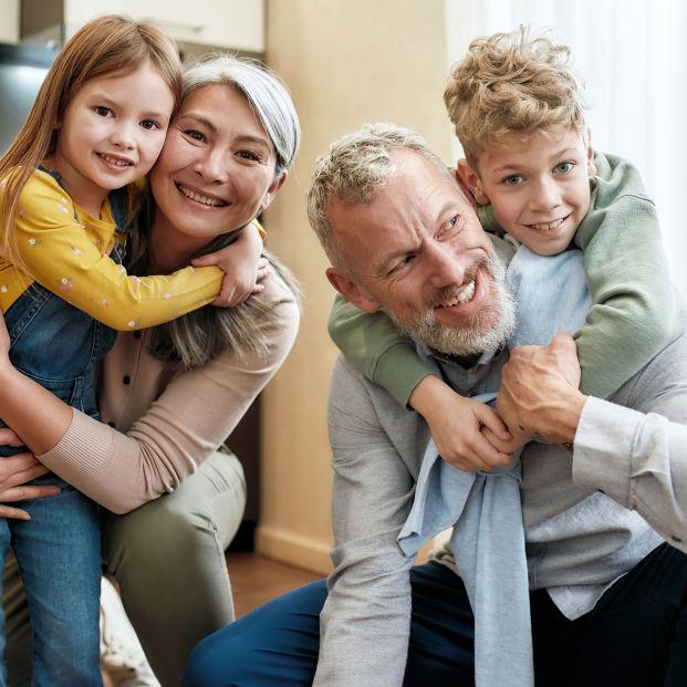 ¿Pueden los niños abrazar a sus abuelos vacunados?