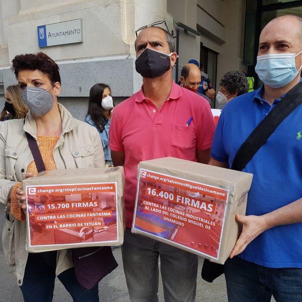 Las asociaciones vecinales de Madrid consiguen 32.000 firmas en contra de las 'cocinas fantasma'