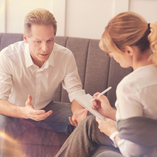 Cómo mejorar la comunicación con la Programación Neurolingüística (Bigstock)