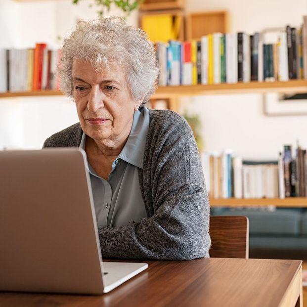 UDP impartirá cursos gratuitos y en directo de informática básica para personas mayores
