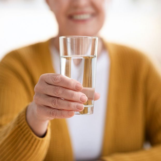 ¿Qué pasa si bebo demasiada agua?