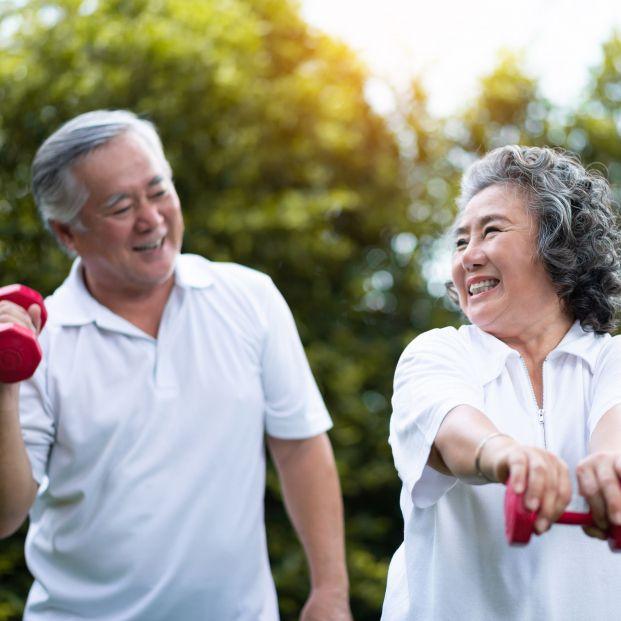 Este grupo de jubilados tienen entre 70 y 80 años y parecen deportistas profesionales
