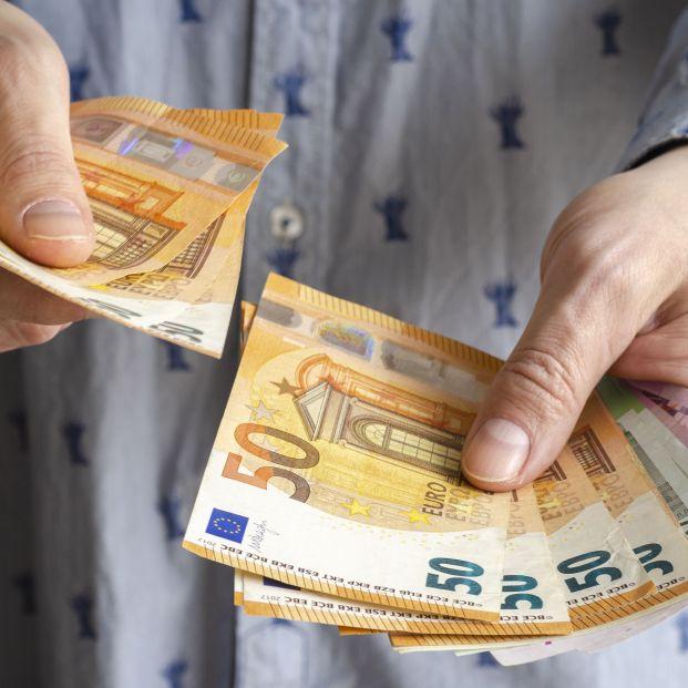 El Congreso aprueba una ley que prohibe pagar más de mil euros en efectivo