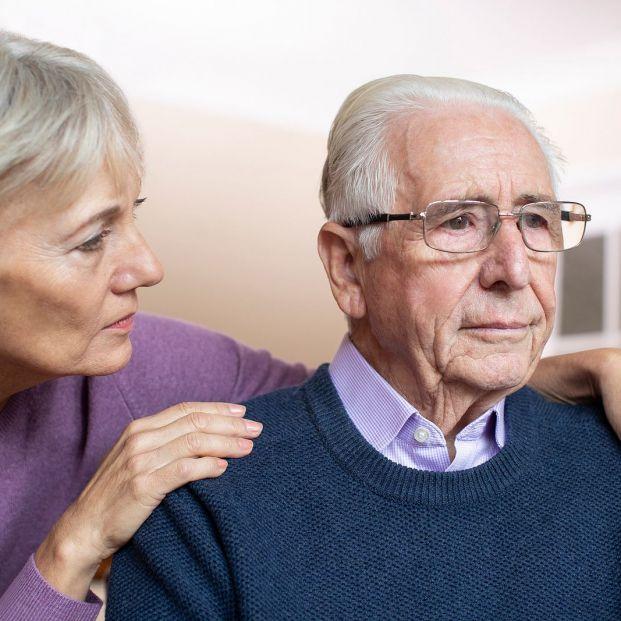 Cinco síntomas que delatan el agotamiento del cuidador (Foto Bigstock)