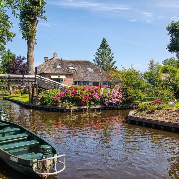 Giethoorn, el pueblo de Holanda sin calles (Bigstock)