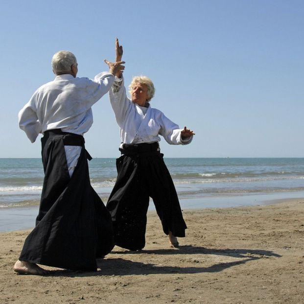Es posible practicar artes marciales a partir de los 50 años (Bigstock)