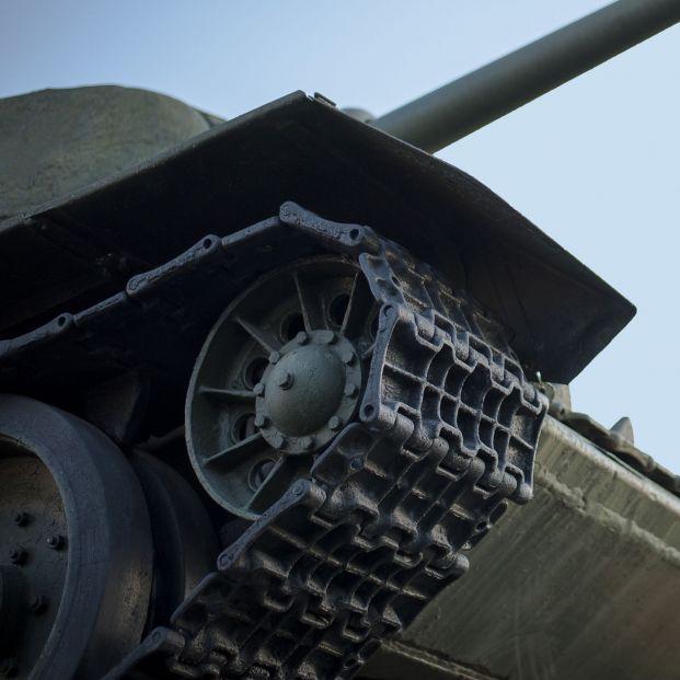 Un hombre de 84 años podría ir a prisión por esconder un tanque nazi en el sótano de su casa