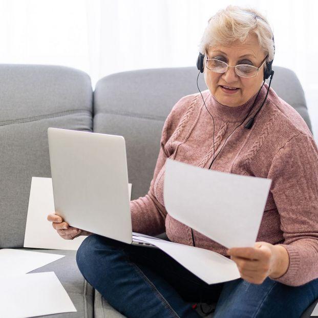 Cambios que debes comunicar al INSS antes de 30 días si ha variado tu situación como pensionista (Foto Bigstock) 2