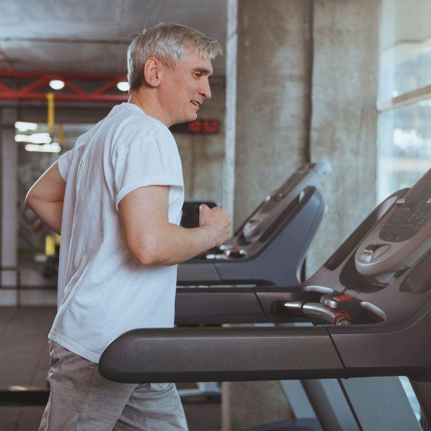 ¿Qué debe tener la cinta para correr perfecta para los mayores? Foto: Bigstock