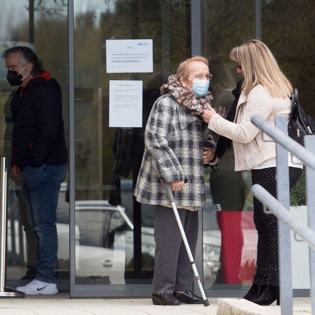 Las familias reclaman que el acceso a las residencias de mayores vuelva a ser como antes