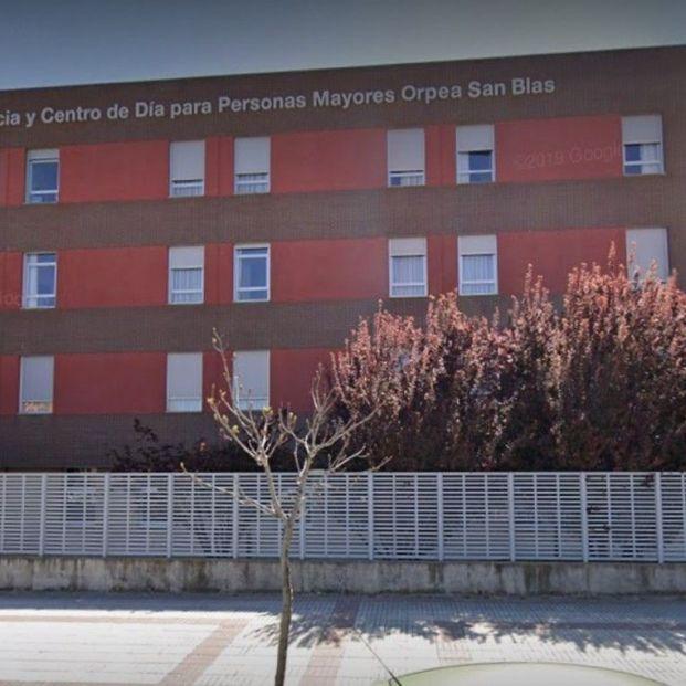 Detectado brote de más de 20 infectados en mayores vacunados en una residencia en Madrid