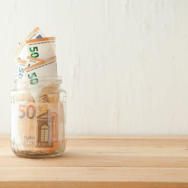 El truco de los tarros para ahorrar hasta 1.400 € al año sin tener un sueldo alto