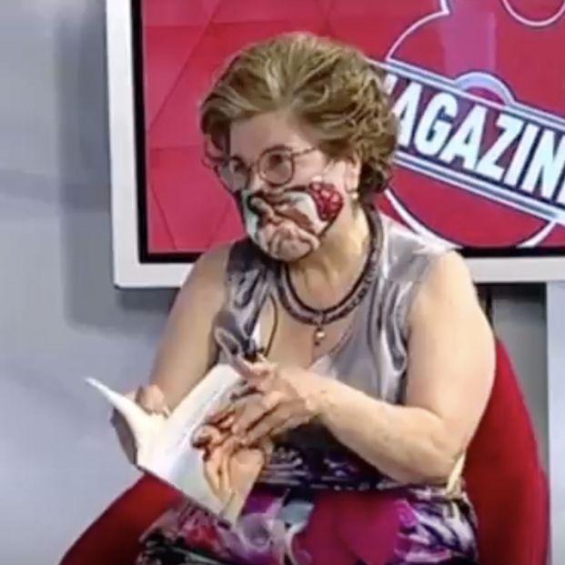 """Sonsoles, una mujer de 71 años, lee un poema erótico y arrasa en redes: """"Es un poco subido de tono"""""""