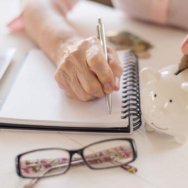 Si te quedas sin trabajo a las puertas de la jubilación, calma, puedes seguir cotizando