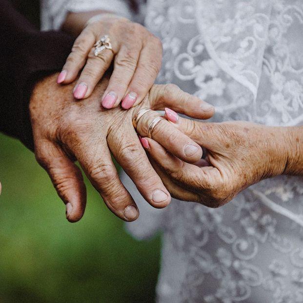 Casos en los que conservarás la pensión de viudedad aunque te vuelvas a casar o os hagáis pareja de hecho legal (Foto Bigstock)