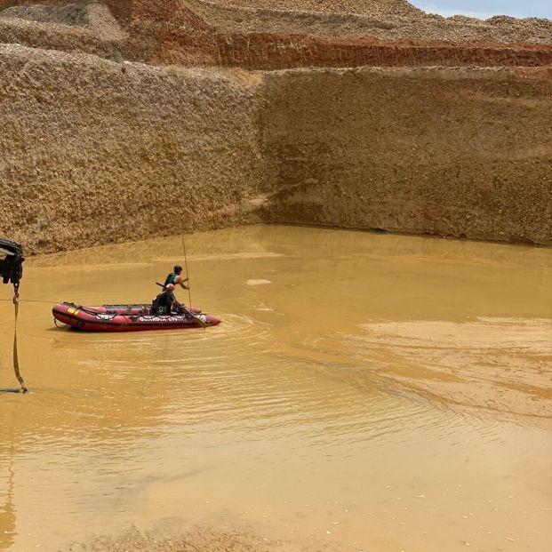 Recuperan el cuerpo del operario sepultado por el lodo en una cantera de Villanueva de la Reina. Foto: Europa Press