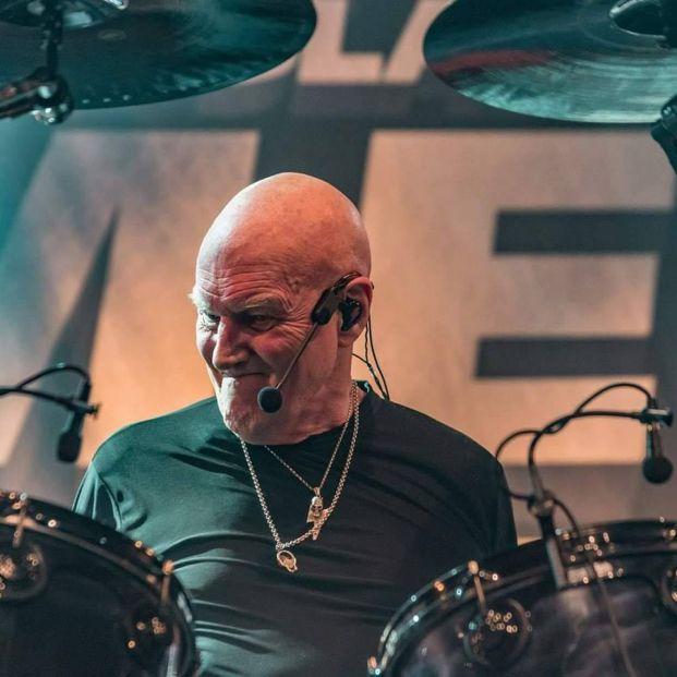 Chris Slade, batería de AC/DC, de gira con su propia banda por España