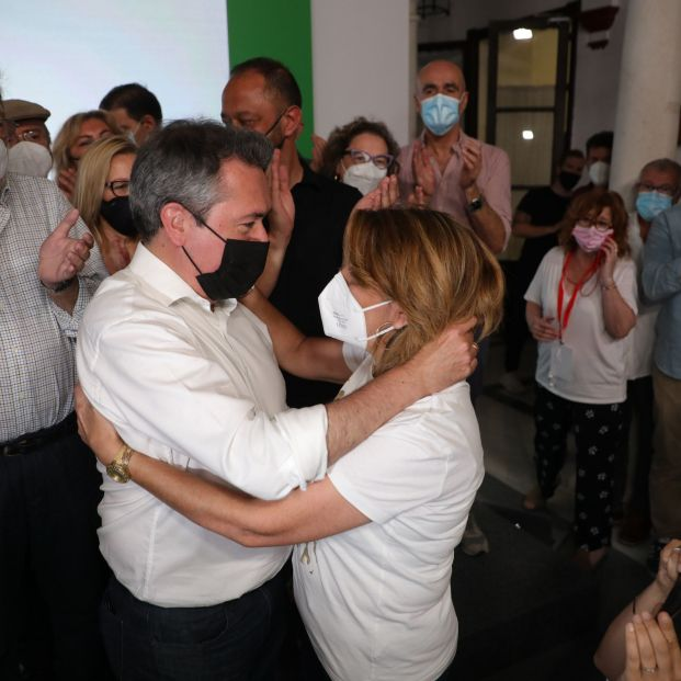 Juan Espadas se impone a Susana Díaz y será el candidato del PSOE a la Junta de Andalucía