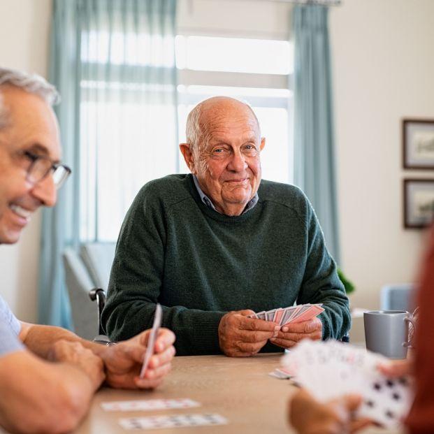 La Comunidad de Madrid reabre el 21 de junio sus centros de mayores con cita previa